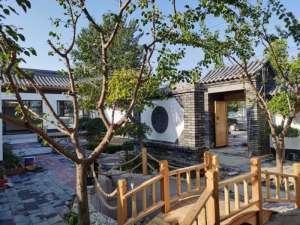 新式民宿-北京四合院出售