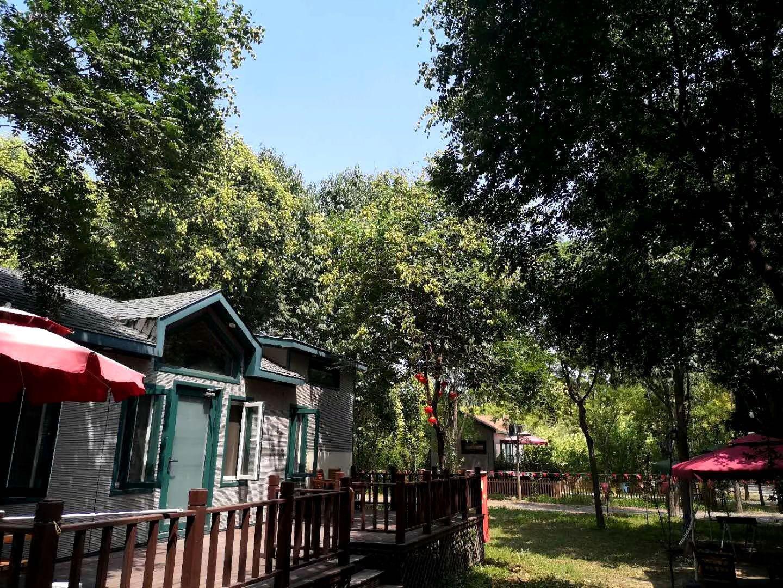 北京徽派民宿小院,民宿四合院出售